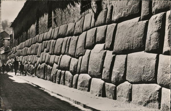 Inca Wall, Cuzco Peru (Photo : Cardcow)