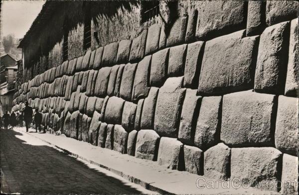 Inca Wall, Cuzco Peru (Photo : Cardcow)